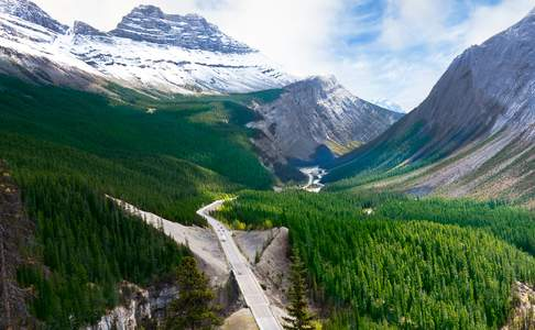 Highway richting Lake Louise